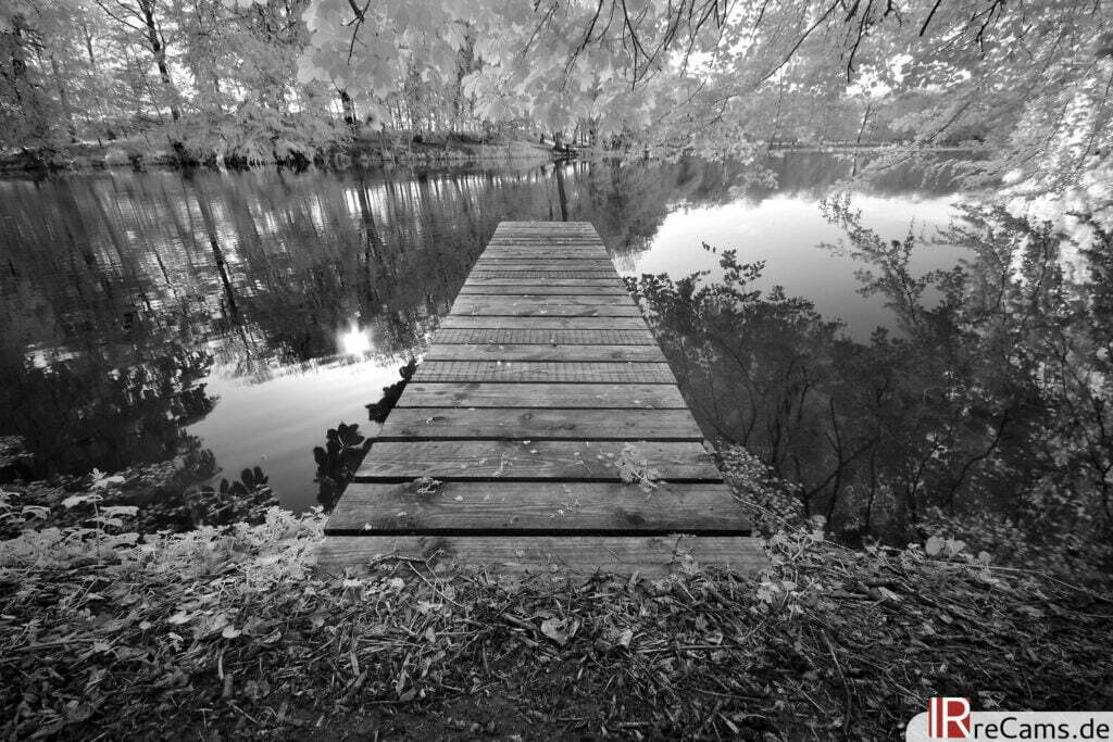 Am Pulower See | IR | 100 % | 10 mm | f/10,0 | 1/13 sec | ISO 100